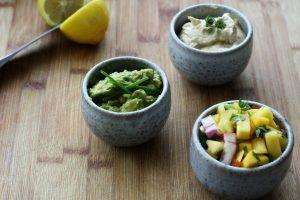 Guacamole et fruits
